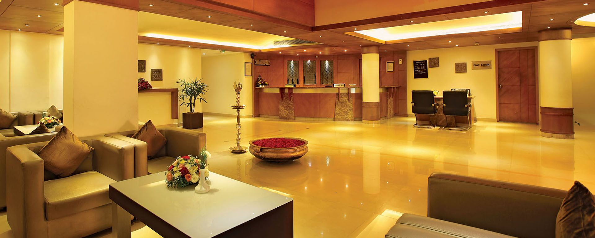 Lobby for guests at Hotel Park Residency